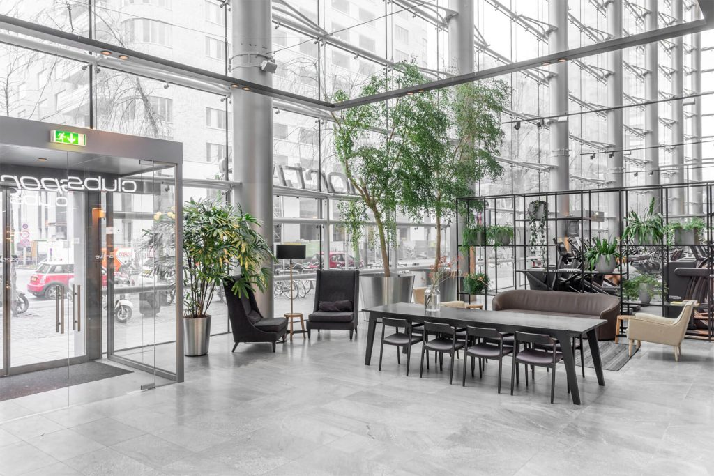 Gallery clubsportive zuidas - Scheiding ingang lounge ...